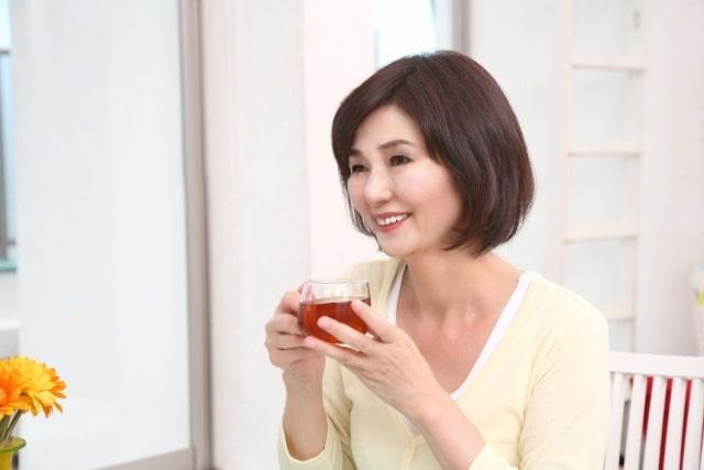 自宅で料理サロン経営のC子さん、プロフィール画像はphotoshopでイメージ変身のビフォーアフター